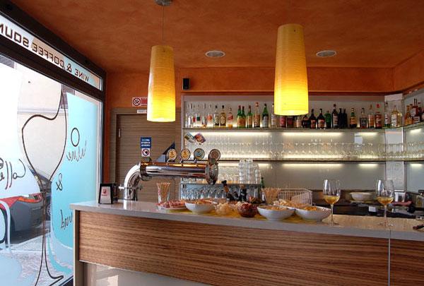Planung und einrichtung von bars for Arredare un bar con pochi soldi