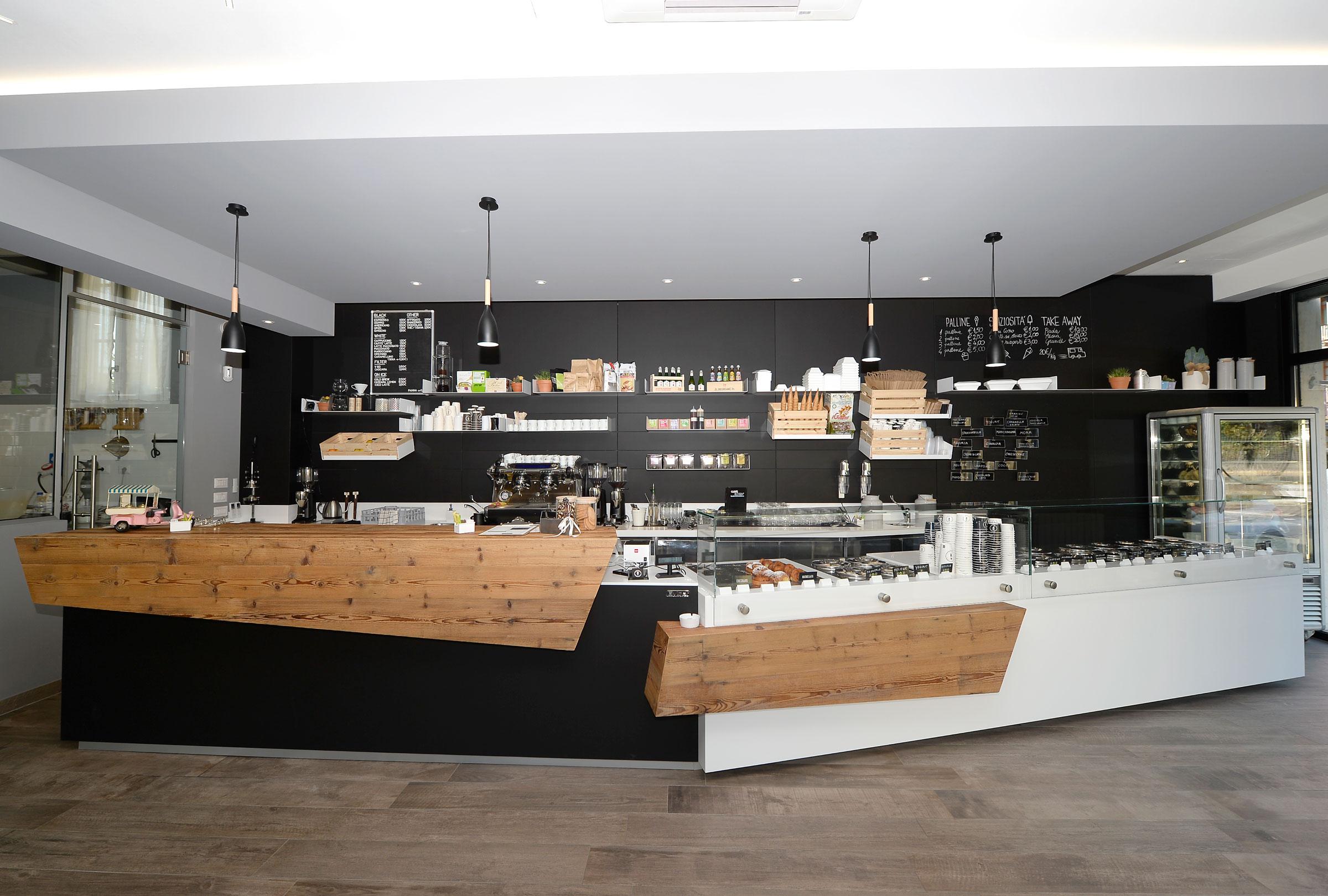 arredamento gelateria Il Mustacchio - Verona