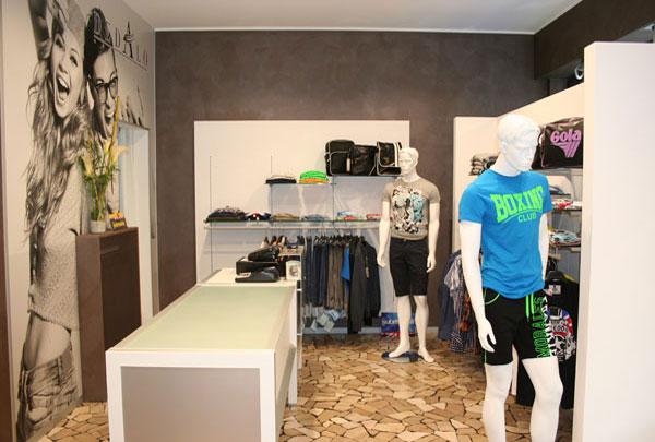 Einrichtung Bekleidungsgeschäft Verona, Veneto - Italien, Dedalo